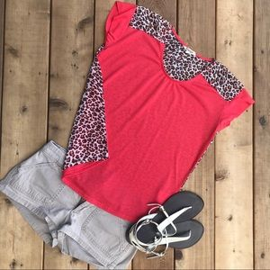 Coral and leopard pattern block top